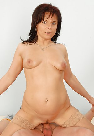 40 year old milf takes facial from young guy 2