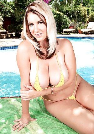 image Hot japanese mom with nice big tits